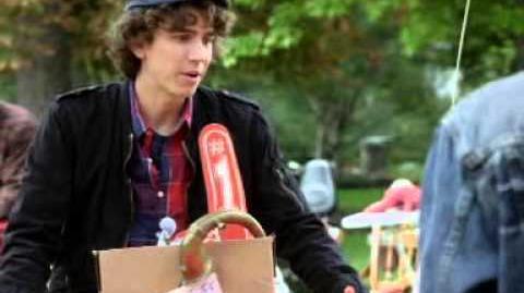 Moja niania jest wampirem - Prawo jazdy. Oglądaj w Disney Channel!