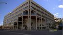 3x01 - Edificio abogada.png