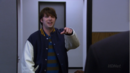 3x08 Making a Stand (07).png