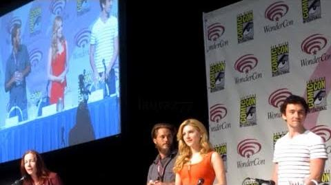 The Vikings Cast at WonderCon 2013 Part 1 7