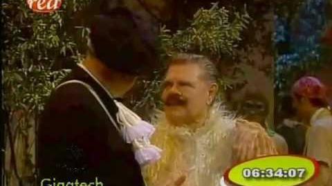 Chespirito 1990 - el disfraz el antifaz y algo más