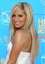 Ashley-Tisdales-Blonde-Hairstyles-02.jpg
