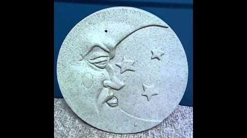 Gemmy singing moon wall plaque (Re-upload)