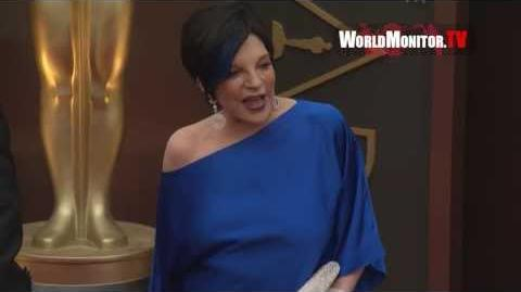 Liza Minnelli arrives at 86th Annual Academy Awards Redcarpet