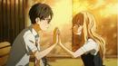 Kaori y Kousei juntan sus manos.png
