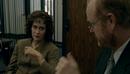 1x01 Марша и Ходгман опрашивают свидетелей.png
