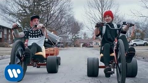 Twenty one pilots- Stressed Out -OFFICIAL VIDEO-