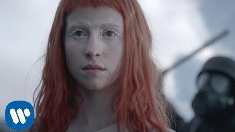 Paramore- Now -OFFICIAL VIDEO-