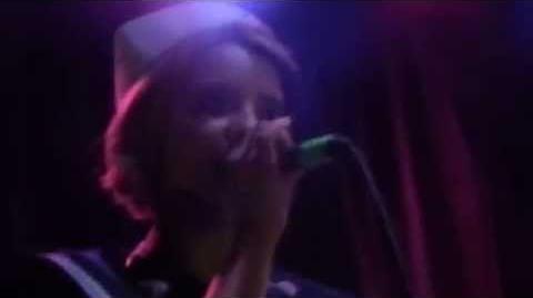 Melanie Martinez- Carousel-1