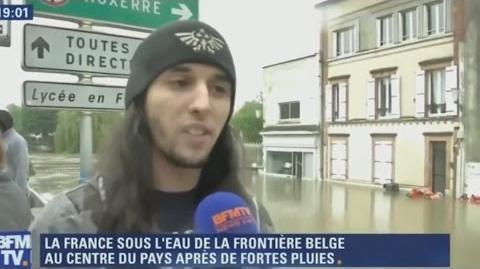 INONDÉ, IL PASSE SUR BFMTV ET DEVIENT UN HEROS