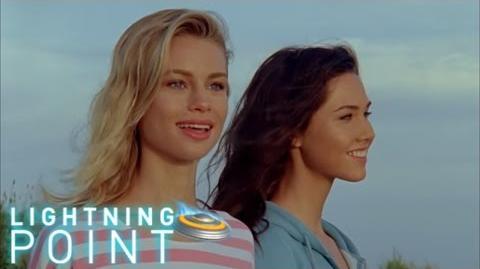 Lightning Point Alien Surfgirls S1 E1 Wipeout